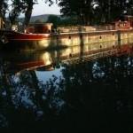 Houseboat image 2